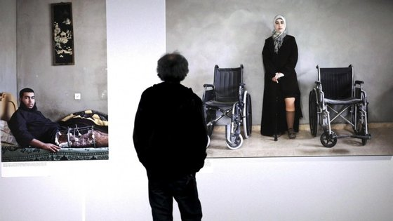 """""""O objetivo é serem as pessoas simples a vê-la. Numa galeria ou num lugar específico são sempre os suspeitos do costume"""", disse Kai Wiedenhöfer"""