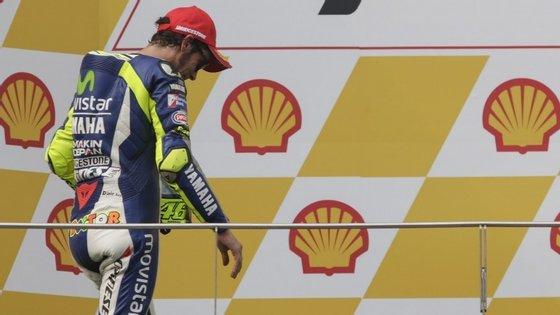 Para a decisão do campeonato, acabou por ser determinante a penúltima etapa, no circuito de Sepang, na Malásia, onde Rossi e o espanhol Marc Márquez, atual bicampeão mundial, foram protagonistas de um episódio que resultou em duas das semanas mais polémicas do MotoGP.