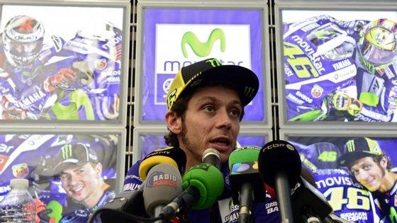 """Não foi desta que Valentino Rossi conquistou o décimo título mundial (seria o oitavo na categoria MotoGP). Aos 36 anos, o italiano queixa-se de que """"este não foi um campeonato verdadeiro"""""""