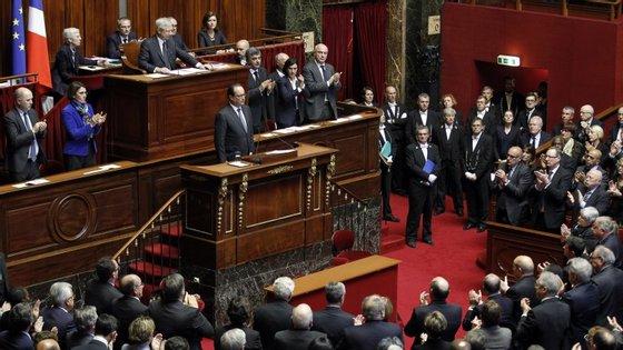 François Hollande fez um discurso esta segunda-feira no Palácio de Versalhes