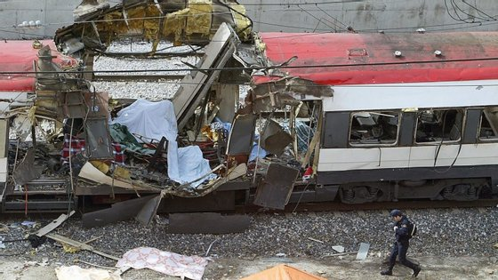 11 de março de 2004. Um atentando da Al-Qaeda vitimou 192 pessoas e fez mais de dois mil feridos na estação de metro de Atocha, em Madrid