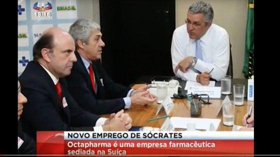 Lalanda Castro ao lado de José Sócrates. Captura de ecrã de uma reportagem da SIC, transmitida em fevereiro de 2013 sobre uma reunião da Octapharma com Alexandre Padilha, ministro da Saúde do Brasil