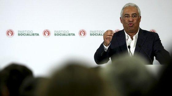 António Costa deu entrevista à RTP no dia em que almoçou com vários banqueiros