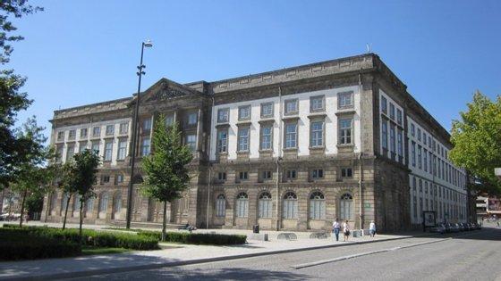 A exposição vai estar na reitoria da Universidade do Porto até 15 de dezembro