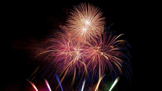 O fogo-de-artifício na Madeira é tão grande e famoso que já entrou no livro de recordes do Guiness, em 2006.