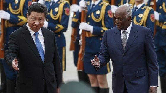 Xi Jinping, presidente da China, e José Eduardo dos Santos, presidente de Angola