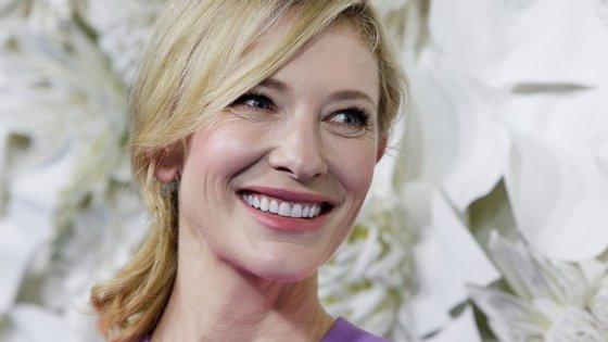 Cate Blanchett é mãe de quatro filhos, três biológicos e um adotado.