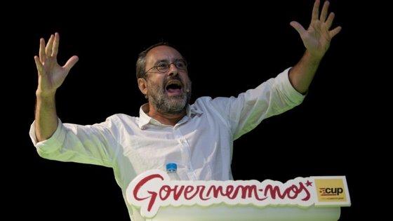 A CUP, liderada por Antonio Baños, teve 8,2% dos votos nas eleições de setembro. Pelo menos três seus dez deputados são necessários para apoiar a investidura de Mas.