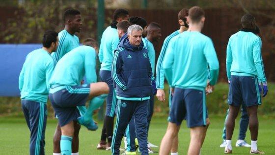 O treinador português deu o treino de quinta-feira de manhã e os jornais ingleses dizem que não estava à espera de ser despedido nesse dia
