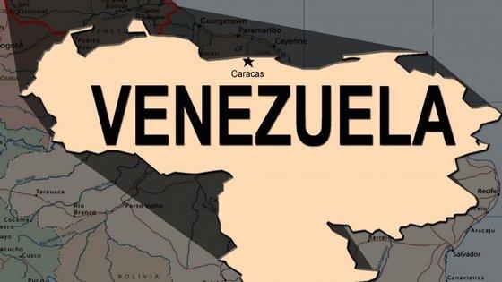As atenções estão divididas entre o Grande Polo Patriótico, a aliança de partidos afetos à revolução bolivariana e a coligação da oposição Mesa de Unidade Democrática