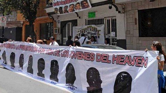 Os crimes dos dois homens, que sequestraram e mataram 13 jovens num bar da Cidade do México, chocou a população local