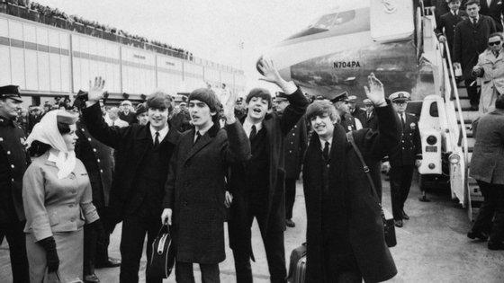 """A televisão americana apresentou-os assim: """"Senhoras e senhores, os Beatles"""""""
