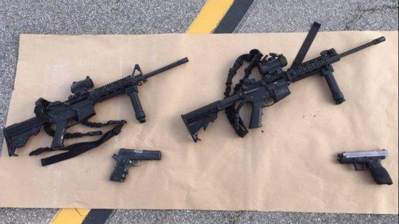 As quatro armas usadas (e compradas legalmente) por Syed Farook e Tashfeen Malik, que causaram a morte de 14 pessoas em San Bernardino (Califórnia) esta quarta-feira