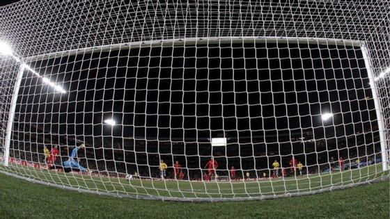"""Há uma coisa que não mudará: quando a bola passa a linha de baliza, como se diz em """"futebolês"""", é golo!"""