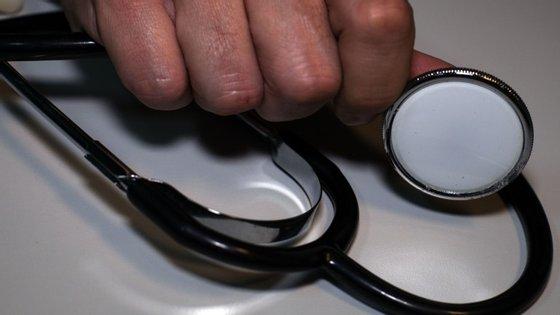 Saúde poupou em horas extraordinárias com a passagem das 35 para as 40 horas semanais