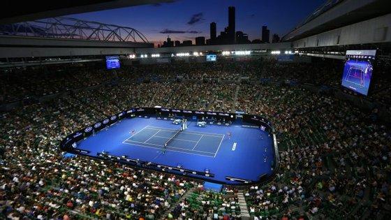 Oito dos 16 tenistas de quem, na última década, a ATP suspeitou de participação em esquemas de combinações de resultados, estão a participar no Open da Austrália. O primeiro Grand Slam da temporada arrancou esta segunda-feira