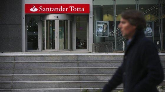 Empresas públicas ficaram obrigadas a pagar 360 milhões de euros ao Santander Totta até ao próximo dia 22 de abril