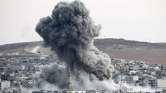 """""""O Estado Islâmico está numa situação de fragilidade, mas temos de ter cuidado"""", acrescentou o ministro"""