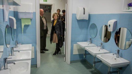 """Belém na creche """"Nossa Senhora da Visitação"""", em Évora. Ainda não houve banhos de multidão. A seu tempo, diz a candidata"""