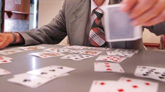 """""""Churchill Solitaire"""" é a versão do clássico jogo de cartas no estilo praticado por Winston Churchill"""