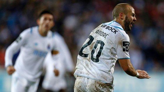 Foi a sétima partida consecutiva que o FC Porto fez em casa do Estoril em que marcou mais de dois golos