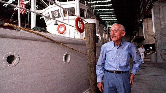 Jacques-Yves Cousteau percorreu os oceanos para realizar filmes sobre os fundos marinhos