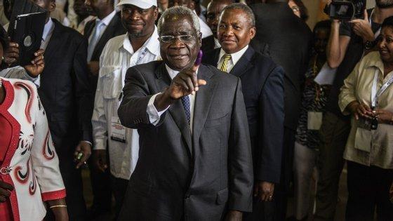 António Dhlakama, que liderou os destinos da Renamo durante a guerra civil que terminou em 1992 - depois de 16 anos de conflito, recusou aceitar os resultados das eleições em 2014 que deram a vitória à Frelimo do presidente Filipe Nyusi .