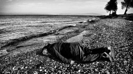 Em janeiro, Ai Weiwei transferiu o seu estúdio para a ilha de Lesbos, na Grécia