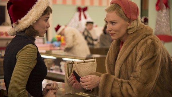 """Rooney Mara e Cate Blanchett numa cena de """"Carol"""", de Todd Haynes"""