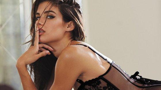 Depois de ser eleita como anjo da Victoria's Secret, Sara Sampaio tem dado o rosto por várias campanhas da marca.