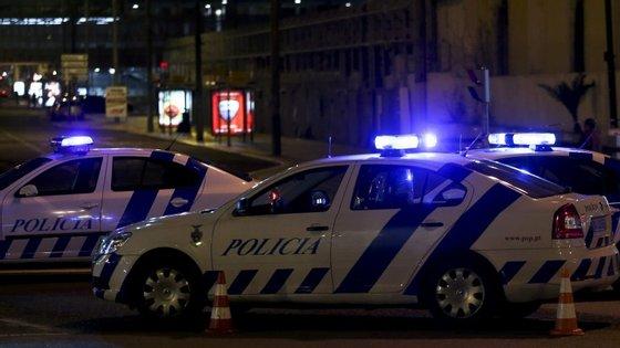 Operação policial no bairro levou os polícias a fazer buscas em vários prédios