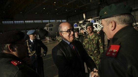 Azeredo Lopes tem estado sob forte pressão de alguns militares