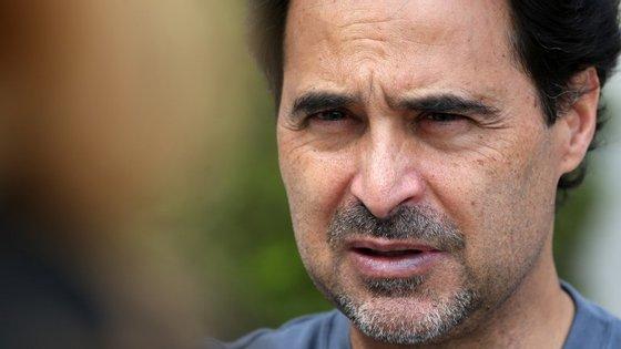 """José Eduardo Agualusa figura na lista dos seis finalistas pelo livro """"General Theory of Oblivion"""" (""""Teoria Geral do Esquecimento"""")"""