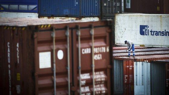 As trocas comerciais atingiram os 256,7 mil milhões de euros em fevereiro na União Europeia