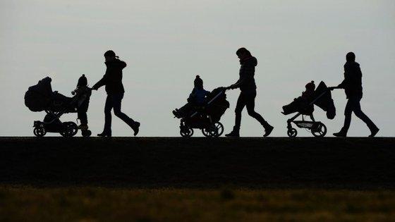 O principal argumento para o lançamento desta petição diz respeito ao desenvolvimento emocional dos bebés
