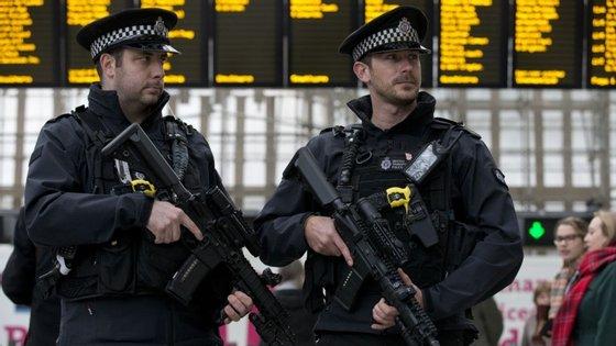 A detenção aconteceu este sábado no Aeroporto de Manchester