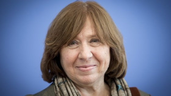 """Svetlana Alexievich tem dois livros lançados em Portugal, o último dos quais """"Vozes de Chernobyl"""" O terceiro chegará em setembro pela editora Elsinore"""