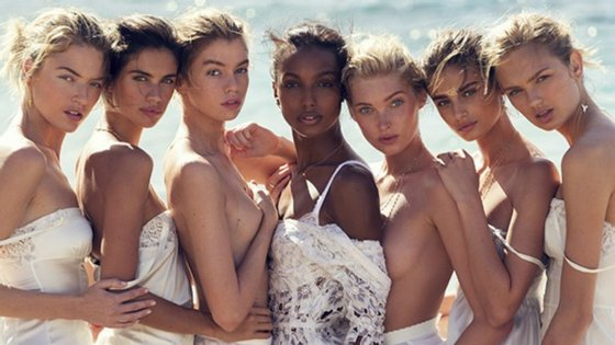 Stella Maxwell, Jasmine Tookes, Martha Hunt e Romee Striid também fazem parte da capa da Vogue espanhola.