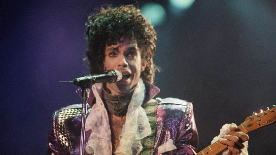 Prince em 1985, quando tocava com os The Revolution
