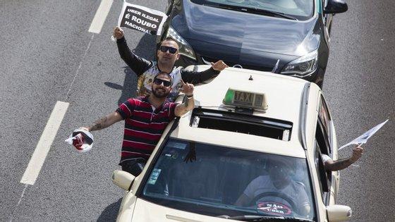 São esperados cerca de seis mil táxis na manifestação contra a UBER, segunda-feira em Lisboa