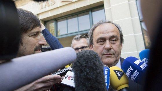 Platini foi condenado por abuso de confiança, conflito de interesses e gestão danosa no caso do pagamento de 1,8 milhões de euros por Joseph Blatter