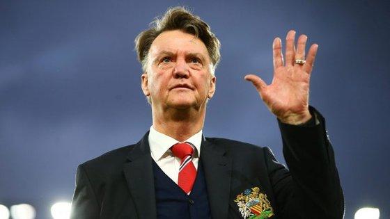 O registo de Van Gaal no Manchester United: 103 jogos, 54 vitórias, 25 empates e 24 derrotas