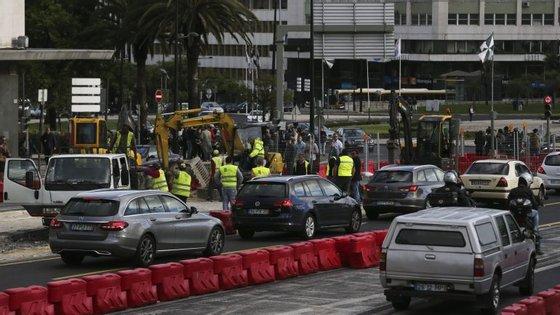 """Na terça-feira, o vereador do Urbanismo da Câmara de Lisboa anunciou que as obras na Segunda Circular vão """"começar imediatamente"""""""