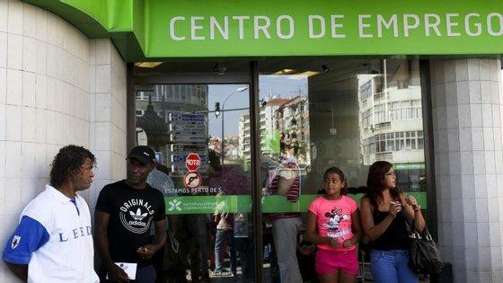 O número de desempregados em Portugal situa-se a baixo da média europeia