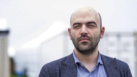 """Roberto Saviano vive com guarda-costas há desde anos, desde a publicação de """"Gomorra"""""""