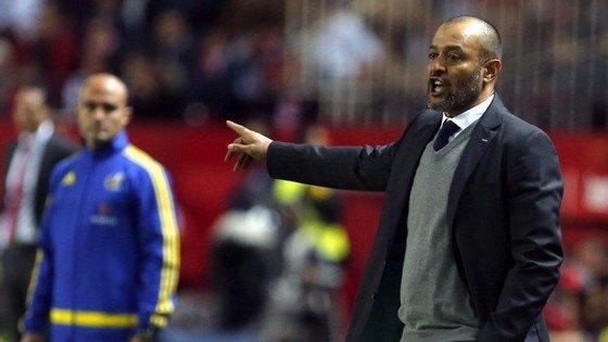 Na curta carreira de treinador, Espírito Santo já comandou o Valência e o Rio Ave.