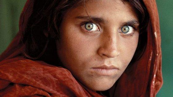 A fotografia de Sharbat Gula (1985) tornou-se uma das histórias mais marcantes da revista National Geographic