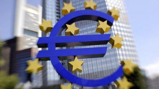 Mario Draghi, vai dar uma conferência de imprensa às 13h30 ara explicar as decisões da reunião do BCE