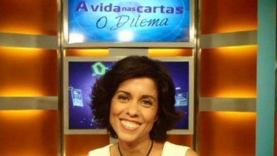 """Carla Duarte apresenta o programa """"A Vida nas Cartas - O Dilema"""" na SIC"""