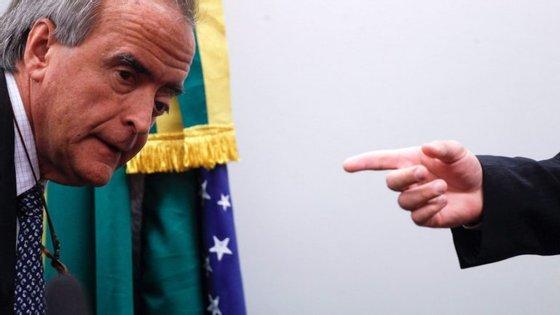 """O ex-diretor da Petrobras disse que """"não corresponde à realidade"""" a afirmação da Presidente de que aprovou a compra da refinaria porque não tinha informações completas."""